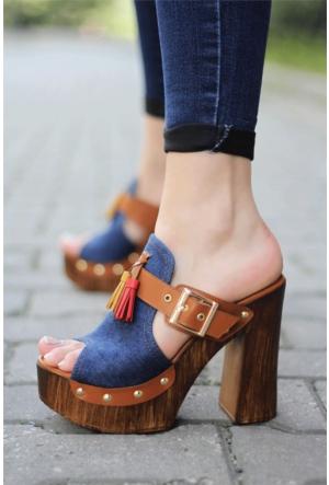 İnce Topuk Platformlu Topuklu Ayakabı