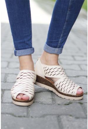 İnce Topuk Lazer Kesim Sandalet