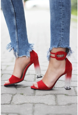 İnce Topuk Şeffaf Topuklu Sandalet
