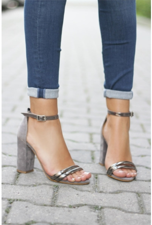 İnce Topuk Bilekten Bağlamalı Topuklu Sandalet