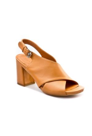 Cabani Çapraz Bağ Tokalı Günlük Kadın Sandalet Taba
