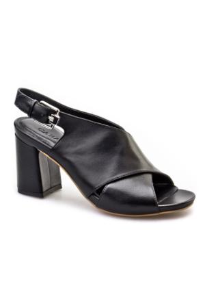 Cabani Çapraz Bağ Tokalı Günlük Kadın Sandalet Siyah