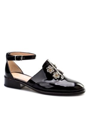Cabani Çiçek Tokalı Dekolte Günlük Kadın Ayakkabı Siyah Rugan