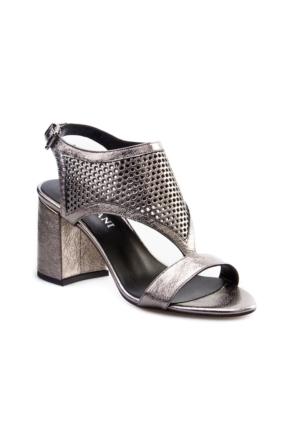 Cabani Tokalı Lazerli Günlük Kadın Ayakkabı Metal