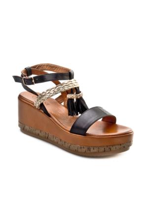 Cabani Dolgu Topuk Küpeli Günlük Kadın Sandalet Siyah Deri