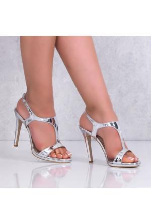 Marcoferretti Gümüş Rugan İnce Topuklu Kadın Ayakkabı 613