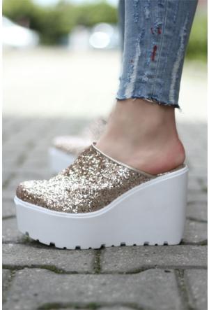 İnce Topuk Dolgu Topuklu Ayakkabı 7YAZA0132752