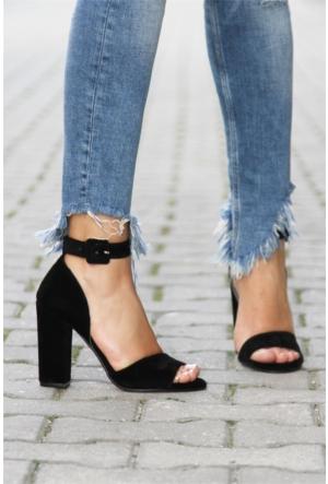İnce Topuk Bilekten Bağlamalı Topuklu Ayakkabı 7YAZA0189416