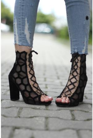 İnce Topuk Lazer Kesim Topuklu Ayakkabı 7YAZA0253416