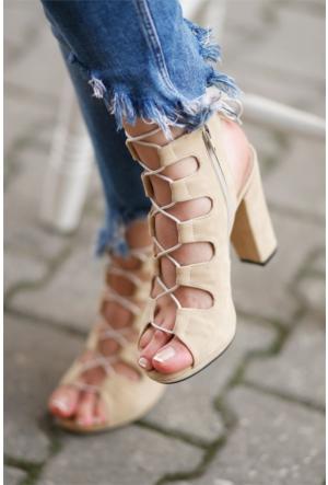 İnce Topuk İpli Topuklu Ayakkabı 7YAZA0262511
