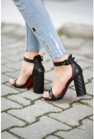 İnce Topuk Topuklu Ayakkabı 7YAZA0264004