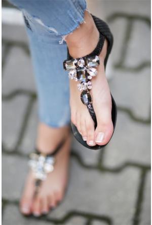 İnce Topuk Taşlı Sandalet 7YAZA0291868