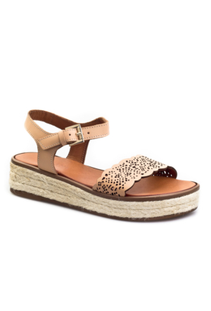 Cabani Nakış Lazerli Tokalı Günlük Kadın Sandalet Pembe Deri
