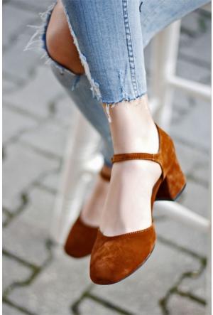 İnce Topuk Kısa Topuklu Sandalet Taba