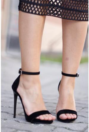 İnce Topuk İnce Bantlı Topuklu Ayakkabı Siyah