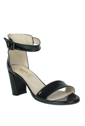 Loggalin 375319 031 020 Kadın Siyah Sandalet