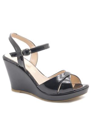 Meley Siyah Rugan Dolgu Topuk Sandalet