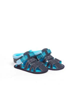 LC Waikiki Bebek Cırt Cırt Detaylı Ayakkabı