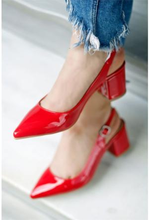 İnce Topuk Topuklu Ayakkabı