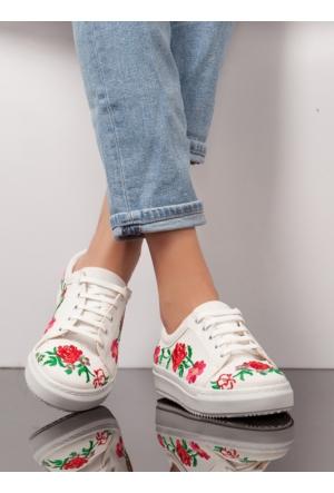Ayakkabı - Beyaz Nakışlı- Ayakkabı Havuzu