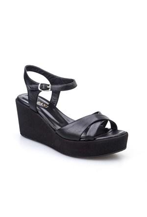 Cabani Dolgu Topuk Günlük Kadın Ayakkabı Siyah Deri