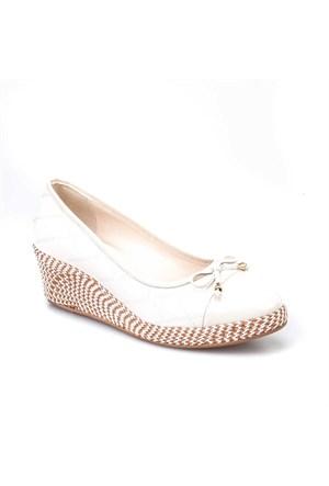 Cabani Dolgu Topuklu Günlük Kadın Ayakkabı Bej Deri