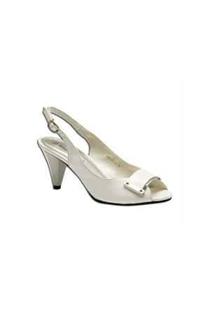 Escarpine Tokalı Beyaz Bayan Ayakkabısı