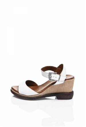 Bueno Beyaz Taşlı Deri Topuklu Kadın Sandalet