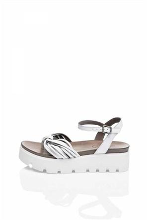 Bueno Beyaz Deri Parmak Arası Dolgu Topuk Kadın Sandalet