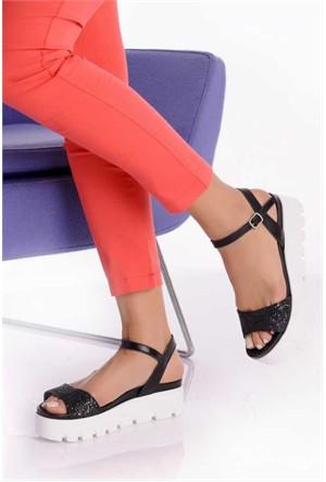 Bueno Siyah Simli Deri Dolgu Topuk Kadın Sandalet