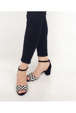 Mıo Gusto Zigzag Desenli Siyah Süet Kısa Topuklu Sandalet