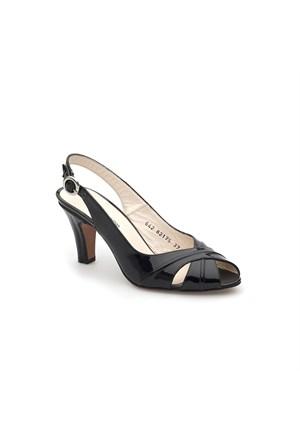Pedro Camino Kadın Klasik Ayakkabı 82175 Siyah Rugan