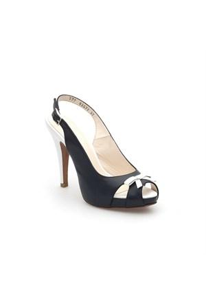 Pedro Camino Kadın Klasik Ayakkabı 83077 Siyah-Beyaz