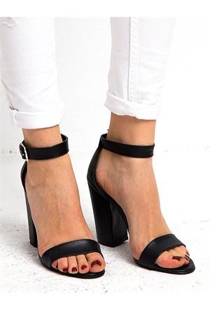 Mecrea Exclusive Roselyn Siyah Kalın Topuklu Sandalet