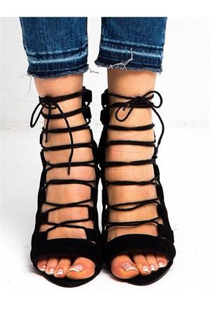 Mecrea Exclusive Calvine Siyah Süet Açık Burun Topuklu Ayakkabı