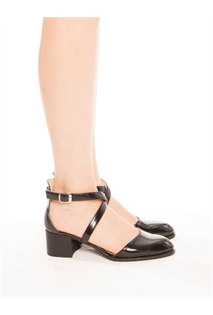 Mecrea Exclusive Valdo Siyah Mat Rugan Çapraz Bağlı Topuklu Ayakkabı