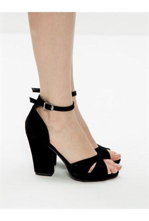 Mecrea Exclusive Perrin Siyah Süet Kalın Topuklu Sandalet