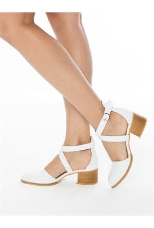 Mecrea Exclusive Valdo Beyaz Mat Rugan Topuklu Ayakkabı