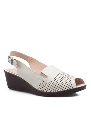 Cabani Zımbalı Günlük Kadın Ayakkabı Bej Deri
