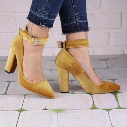 İnce Topuk Hardal Kadife Kalın Topuklu Ayakkabı
