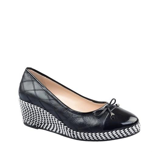 Cabani Dolgu Topuklu Günlük Kadın Ayakkabı Siyah Deri