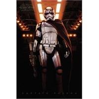 Pyramid International Maxi Poster - Star Wars Episode Vıı Captain Phasma