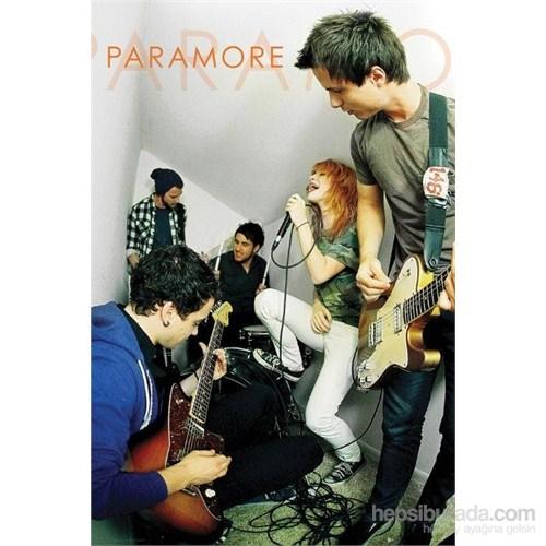 Paramore Live Maxi Poster