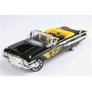Motomax 1960 Chevy Impala 1/18 Die Cast Model Arac