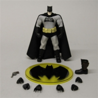 Mezco Toyz The Dark Knight Batman One:12 Collective Action Figure
