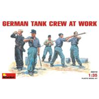 Miniart 1/35 Ölçek Plastik Maket, Alman Tank Mürettebatı Çalışırken