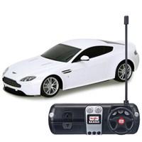 Maisto 1:24 Aston Martin V8 Vantage S R/C Beyaz Uzaktan Kumandalı Araba