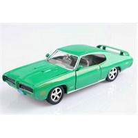 Motomax 1969 Pontiac GTO Judge 1/24 Die Cast Model Araç