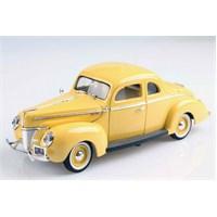 Motomax 1940 Ford Deluxe 1/18 Die Cast Model Araç