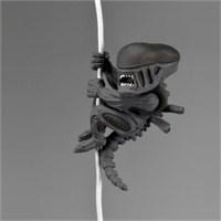 Scalers Alien Kablo Tutucu Mini Figür